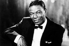 Here Are the Lyrics to Nat King Cole's 'The Christmas Song'