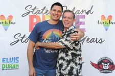Radio Host Elvis Duran Marries Boyfriend Alex Carr at 'Day of the Dead'-Themed Wedding