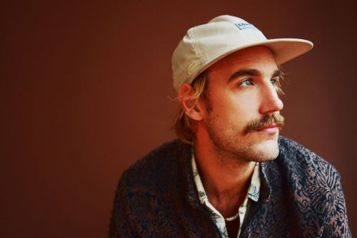 On 'Wide Awake', Rayland Baxter Makes a Masterful Play for the Pop-rock Middle