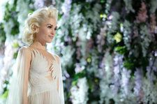 Gwen Stefani's 'Christmas' Debuts at No. 1 on Holiday Albums Chart