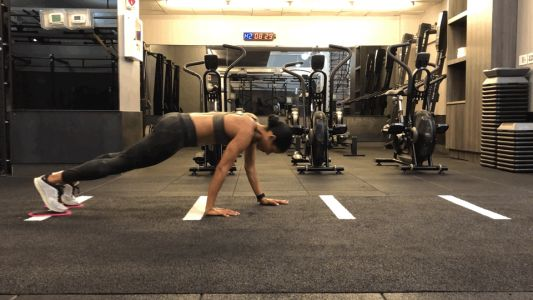 I'm a Trainer, and This Is the Plank Variation I Have My Clients Do For Sculpted Abs
