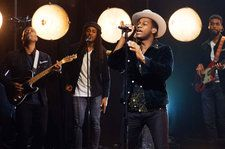 Leon Bridges Delivers Soulful Performance Of 'Beyond' On 'Late Late Show': Watch