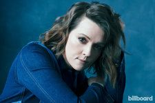 Brandi Carlile, Kelly Clarkson, Dierks Bentley & More to Perform at ACM Awards