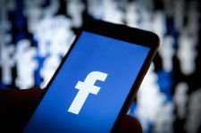 Facebook Adds Collection of 1,000 Free Songs to Use in Videos