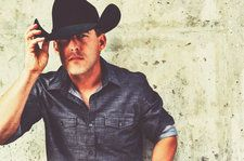 Aaron Watson on Playing the Houston Rodeo & Delaying His Album Because of Hurricane Harvey