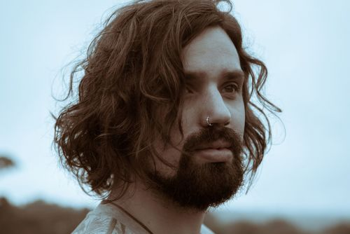 "Harp Samuels Blends Folk and Electronic Influences in the Plaintive and Sweet ""Breathe"""