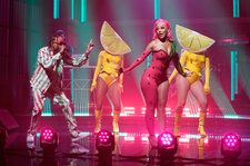 Doja Cat & Tyga Deliver a 'Juicy' Performance On 'Late Night With Seth Meyers': Watch