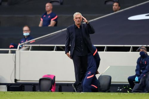 The Playbook: José Mourinho Isn't Afraid of a Public Feud, but His Players Stand by Him