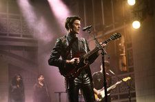 James Bay Gives Taylor Swift's 'Delicate' a Twist With Drake Mashup