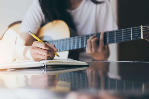 Top 15 Songwriting Tips for How to Write a Chart Topping Hit Song