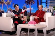 Justin Bieber Opens Up About Wedding Jitters, Serenades Ellen With 'Yummy': Watch