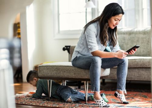 My Kids Caught Me on My Phone Instead of Paying Attention to Them - And It Sucked