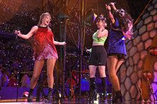 Taylor Swift Braved the Torrential Downpour, Emerged Victorious at New Jersey Show