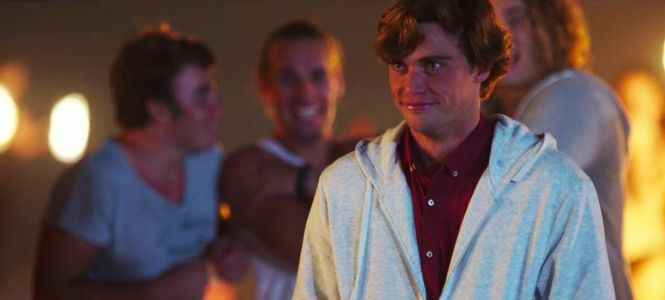 The Actor Who Plays Warren in The Kissing Booth Is a Total YouTube Star