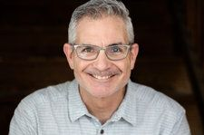 RJ Curtis Named Executive Director of Country Radio Broadcasters & Country Radio Seminar
