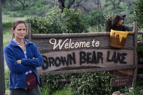 HBO's 'Camping' Doesn't Know What It Wants to Be