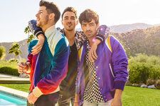Jonas Brothers Score First Pop Songs Chart No. 1 With 'Sucker'