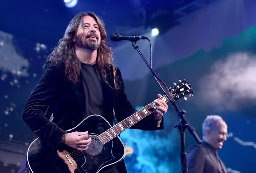 Watch Dave Grohl & Friends Perform At Warren Haynes's Christmas Jam
