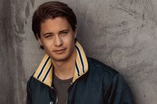 Join Kygo's Crew With This Gold Palm Tree Necklace Dripping in Diamonds