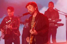 Juanes Delivers Vibrant Performance of 'La Plata' on 'Jimmy Kimmel Live!': Watch