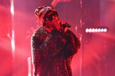 Lil Wayne Dedicates 'Don't Cry' Performance to Lost Loved Ones on 'Colbert': Watch