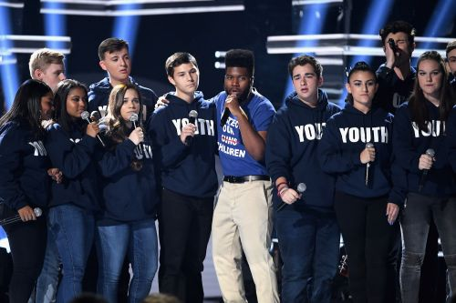 Watch Khalid & Shawn Mendes Sing With Parkland Students At The Billboard Music Awards