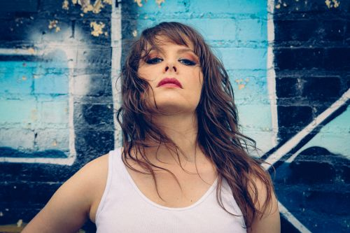 Becky Warren Delivers 'Undesirable' With Write Touch, Street Smarts