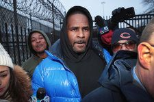 Parents of R. Kelly's Girlfriend Say Daughter Is Trapped in 'Monstrous' Situation