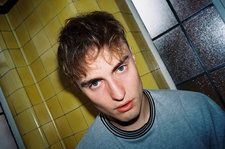 Singer-Songwriter Sam Fender Adds U.K. No. 1 Album Debut to 2019 BRIT Award
