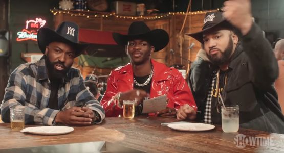"""Watch Lil Nas X Play """"Country Or Nah"""" With Desus & Mero"""