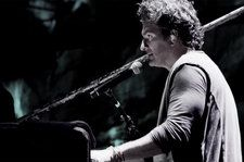 Watch Ricardo Arjona's Biggest Music Videos