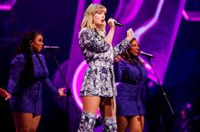 Taylor Swift Shows Off 'Lit' Dressing Room in Shanghai: See the Pics