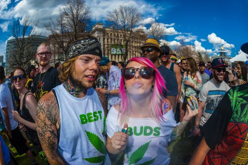 Here Are All the Dumb Weed Clichés That Need to Die