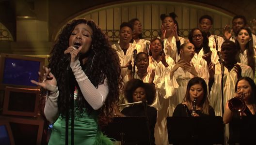 Watch SZA's Incredible SNL Performance