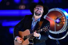 Garth Brooks on Last-Minute Adds to 'Fun' Album & Having 'Some Ground to Cover' on Massive New Tour Stage