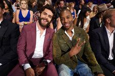 Thomas Rhett Lands 13th Country Airplay No. 1 With 'Look What God Gave Her'