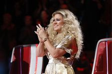 Kelly Clarkson Performs 'Heat' on 'The Voice': Watch