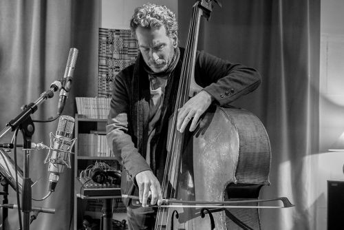 Larry Grenadier Plays 45 Minutes of Riveting Solo Bass on 'The Gleaners'