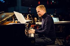 'The Leftovers' Composer Max Richter's Sold-Out NYC Show Was Simple & Effective