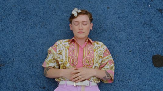With 'Everybody Loves You,' SOAK Lets Her Guard Down
