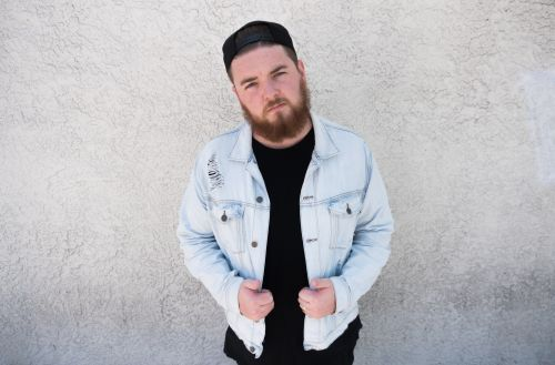 """QUIX Shares New Single, """"Giving Up"""" and Announces Illusions EP + Fall Tour"""