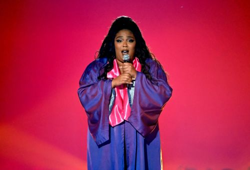 Watch Lizzo Pay Tribute To Sister Act 2 At The MTV TV & Movie Awards
