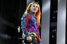 6ix9ine Nabs Second Hot Latin Songs Top 10 With 'Mala'