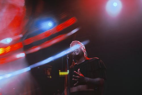 Review and photos: Jain takes the Fine Line into orbit