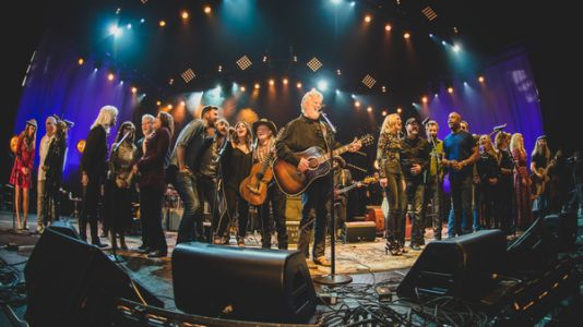 Watch Emmylou Harris And Kris Kristofferson Perform 'The Pilgrim, Chapter 33'