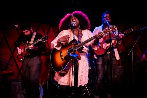 Yola's Staggering Voice Fuels Powerful Americana