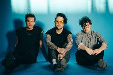 Lovelytheband Leaps to Emerging Artists Top Five, Red Velvet Hits Top 10