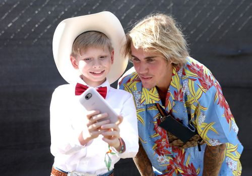 At Coachella Justin Bieber Chills With Yodeling Boy, Punches Man Who Grabbed A Woman's Throat