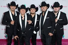Viva Friday Playlist: New Music by Maquinaria Norteña, Piso 21 & More