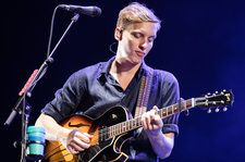George Ezra Announces 'Biggest Ever' U.K. Tour For 2019